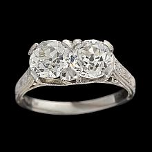 An Edwardian diamond and platinum ring,
