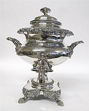 Large Georgian style silverplate hot water urn, 19th century,