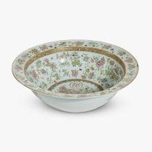 Large Chinese export porcelain famille rose basin, mid 19th century