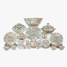 Collection of late Qing Dynasty Chinese export rose medallion porcelain, second half 19th century