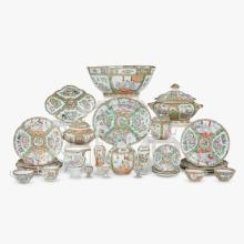 Late Qing Dynasty Chinese export porcelain rose medallion punch bowl, second half 19th century
