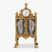 Important George III ormolu and gold mounted agate necessaire in the form of a cabinet on stand, circa 1765