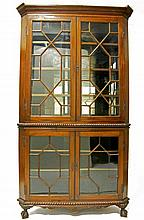 Chippendale style brass-inlaid mahogany corner cabinet with mirror back and glazed doors, late 19th/early 20th century,