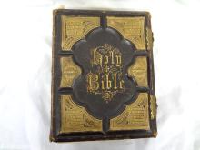 Holy Bible: A Family Bible Leather with brass Clasps 1872 Louie Miller 600 Engravings