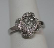 BEAUTIFUL .925 STERLING SILVER FLOWER RING W/ CZ EMBEDD #59757v1