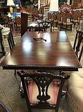 Ornate Scalloped Edge Dinning Room Table With 4