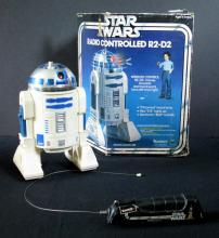 STAR WARS RADIO CONTROLLED R2-D2 ROBOT TOY Vintage Kenner Toy, 1977. Rough box, robot works. First toy robot of R2-D2 ever produced.