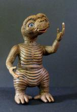 E.T. THE EXTRA TERRESTRIAL RARE PAINTED MODEL FIGUREKit 'n Booty - 1992. Rare 10