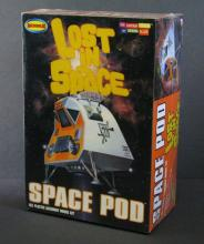 CLASSIC LOST IN SPACE SPACE POD PLASTIC MODEL KIT  Moebius, 2008. Highly detailed 1/24th scale model. Mint and sealed.