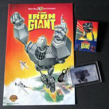 THE IRON GIANT WARNER BROTHERS PROMO LOT - 1999. Includes 8 page full color comic book, colorful pin-back badge 2