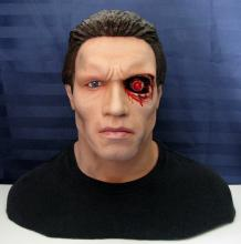 TERMINATOR - LIFESIZE RESIN PORTRAIT BUST - 2005Incredibly lifelike 1/1 scale portrait bust of Arnold Schwarzenegger as