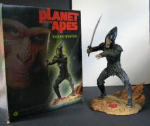 TIM BURTON'S PLANET OF THE APES GENERAL THADE PAINTED STATUE Dark Horse, 2001. 13