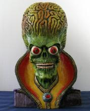 MARS ATTACKS - MARTIAN EMPORER RARE PAINTED RESIN PORTRAIT BUST Creatures Unlimited, UK, 1998Imported from England, less than 12 castings exist. This is casting #4. Lavishly finished with medallion jewel.Large piece measuring 18