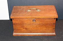 REAL NICE SOLID WALNUT COLLECTION BOX HANDMADE GREAT DOVETAIL 14.5 X 8.5