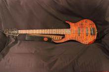 SUPER PEAVEY BASS GUITAR 5 STRING SOLID BODY - 1 STRING MISSING - BODY MINT