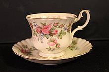 ROYAL ALBERT BONE CHINA ENGLAND MOSS ROSE MINT