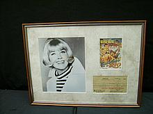 VERY NICE DORIS DAY PICTURE / MOVIE CARD AND ORIGINAL BANK CHECK SIGNED