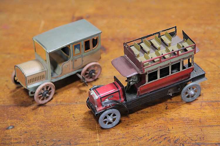 TWO TIN WIND-UP VEHICLES.