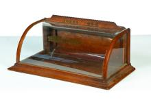 GENERAL STORE COUNTER-TOP DISPLAY CASE.