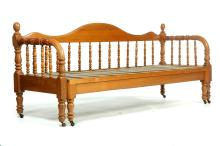 JENNY LIND DAYBED.