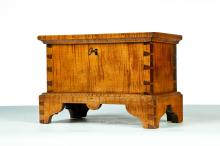 CHIPPENDALE-STYLE MINIATURE BLANKET CHEST.