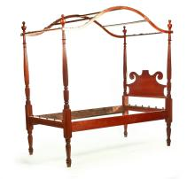 PAIR OF AMERICAN FEDERAL CANOPY BEDS.