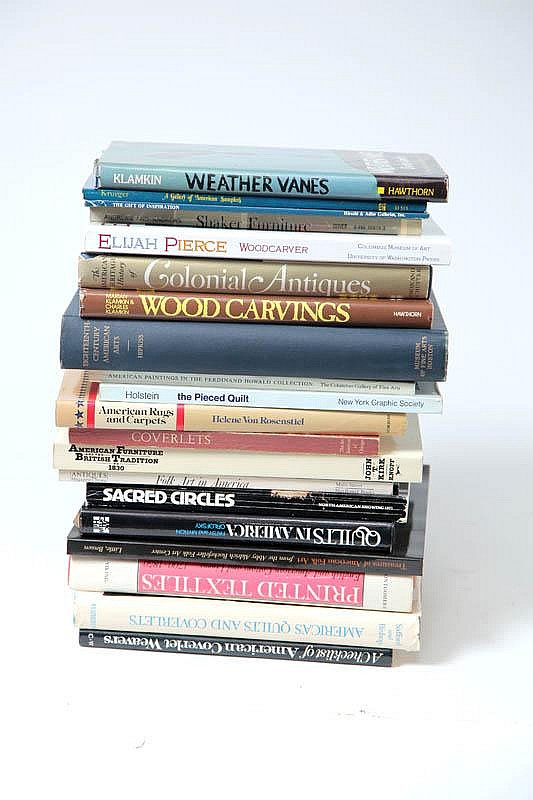 LARGE GROUP OF REFERENCE BOOKS ON ANTIQUES AND ART.