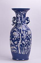 CHINESE BLUE PORCELAIN VASE WITH WHITE PASTEL