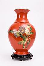 CHINESE FUZHOU LACQUER VASE OF FLORAL SCENE