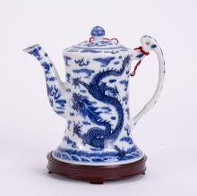 CHINESE BLUE WHITE PORCELAIN TEAPOT W/ DRAGON