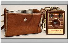 Kodak - Vintage Brownie Flash B Camera. Complete with Holder and Strap. Good Condition.