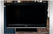 Sony 27 Inch Flat Screen TV. With remote control.