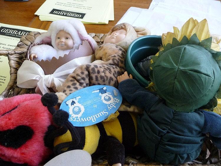Six Anne Geddes Dolls In A Basket.