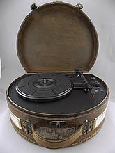 Steepletone Retro Style Portable Record Player, in working order and with i