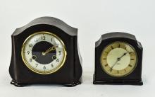 Smiths- Electrio Bakerlite Case. 1930's Mantel Clock. 5.75 Inches High. Plu