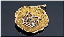 9ct Gold Libra Pendant, Diameter 38mm