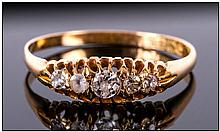 Antique 18ct Gold 5 Stone Diamond Ring. Fully Hallmarked.