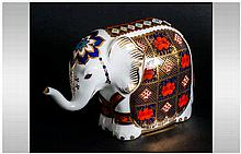 Royal Crown Derby Paperweight ' Elephant ' Gold Stopper 1995. 1st Quality /