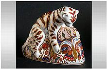 Royal Crown Derby Paperweight ' Bengal Tiger Cub ' Gold Stopper. Date 1995.