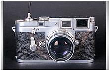 Leica M3-753382 Camera, Date 1955. Complete with O