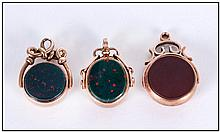 Edward VII 9ct Gold Cornelian and Agate Set Fobs ( 3 ) In Total. All Fully