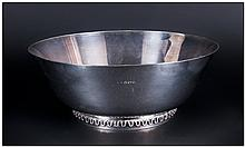 Georg Jensen - Fine Silver Quality and Stunning Footed Bowl, Pattern Num.904. Hallmark London 1956 a