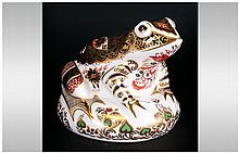 Royal Crown Derby Limited & Number Edition Paperweight 'Old Imari Frog' gol