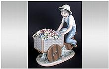 Lladro Figure ' The Flower Peddler ' Model Num.5029. Issued 1979-1985. Exce