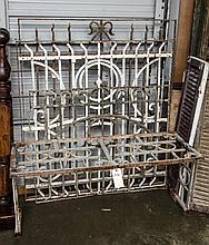 Metal bench & 3 metal grids
