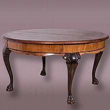 An Austrian Mahogany Circular Dining Table, 20th Century,