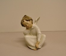 Lladro figurine Angel Dreaming 4961