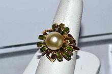 18kyg Pearl & Green Enamel Ring