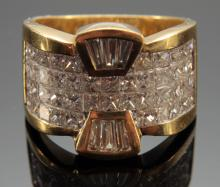 18 KT YG 3.5 CT - 3.0 CT DIAMOND COCKTAIL RING