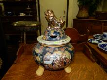 Lovely Asian porcelain painted lidded pot, tri foot, foo lion top, cond VG
